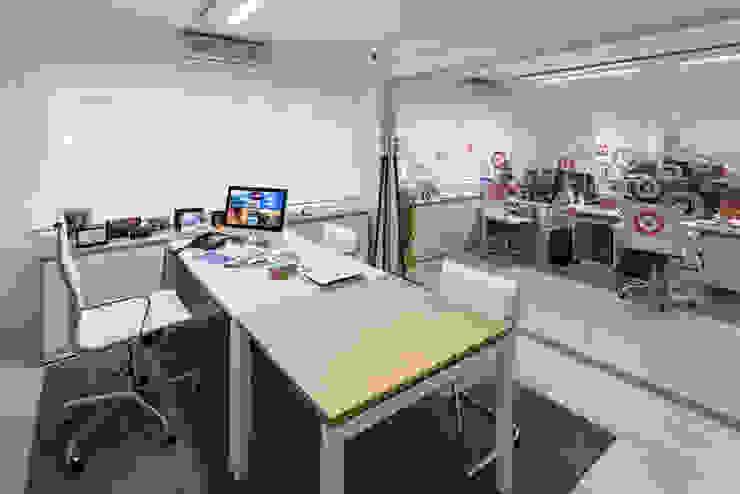 Estudio Sespede Arquitectos Office spaces & stores Wood White