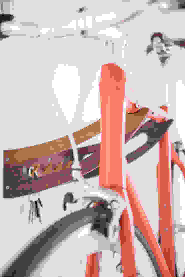 Bikedrobe: modern  von Pirol Furnituring ,Modern