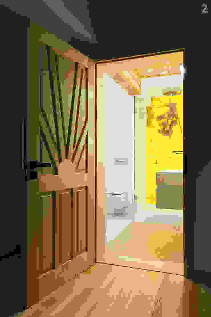 unikat:lab Modern Bathroom