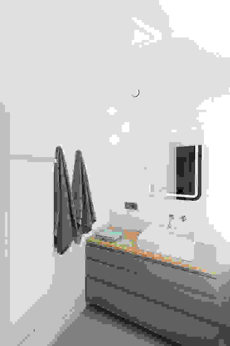 emka unikat:lab Modern Bathroom