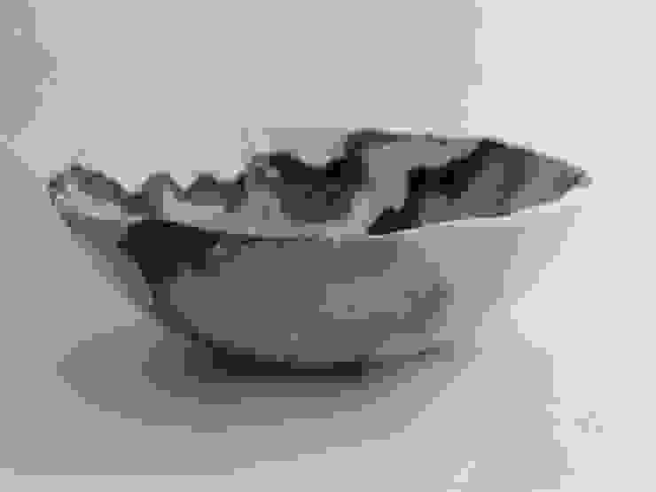 Handmade ceramic bowl por Lagrima - Handmade ceramics Escandinavo