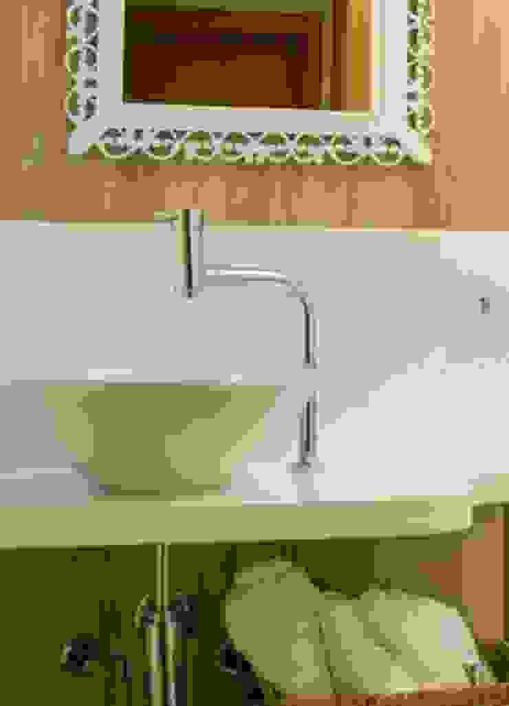 Apartamento Grécia Banheiros modernos por Camila Chalon Arquitetura Moderno