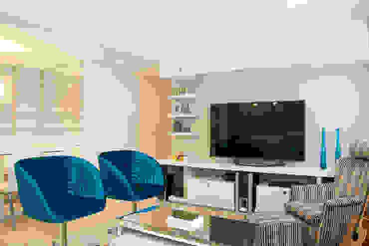 Apartamento Bento Salas multimídia modernas por Camila Chalon Arquitetura Moderno