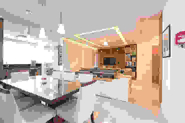 Apartamento Menino Deus Salas de estar clássicas por Camila Chalon Arquitetura Clássico