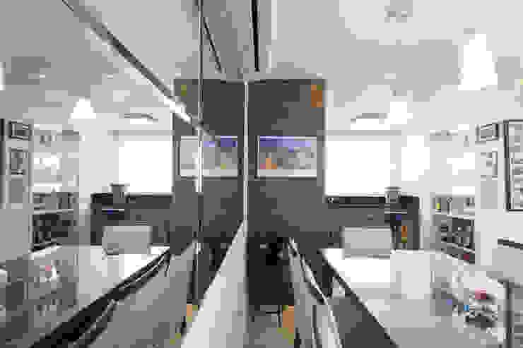 Apartamento Menino Deus Salas de jantar clássicas por Camila Chalon Arquitetura Clássico