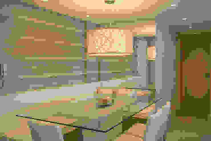 Apartamento Bento Salas de jantar modernas por Camila Chalon Arquitetura Moderno