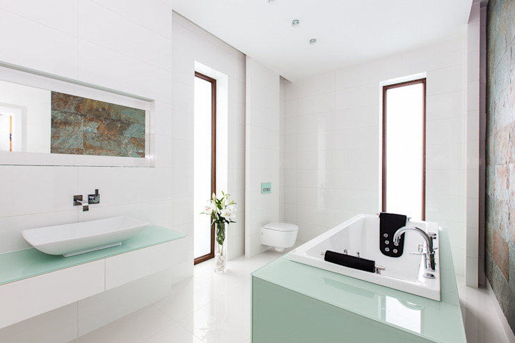 bath tron Modern Bathroom by unikat:lab Modern