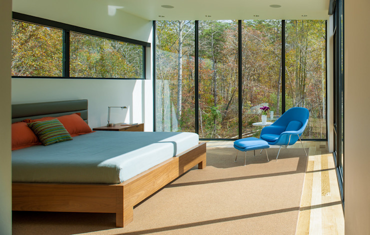 Bedroom by Robert Gurney Architect