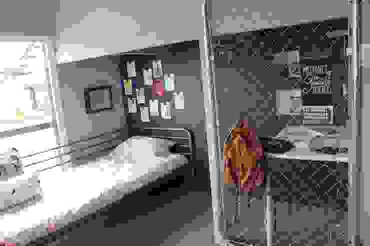 子供部屋1 after写真 : 一級建築士事務所 iie designが手掛けた素朴なです。,ラスティック