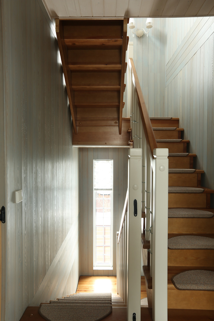 Лестница Коридор, прихожая и лестница в стиле кантри от ORT-interiors Кантри