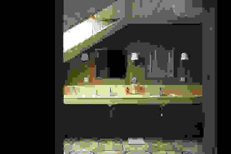 Ванная комната Ванная комната в эклектичном стиле от ORT-interiors Эклектичный
