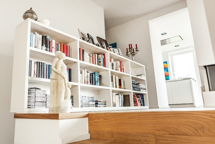 Corredores, halls e escadas modernos por raumatmosphäre pantanella Moderno