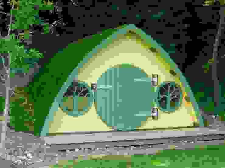 Hobbit Hole od High Life Treehouses