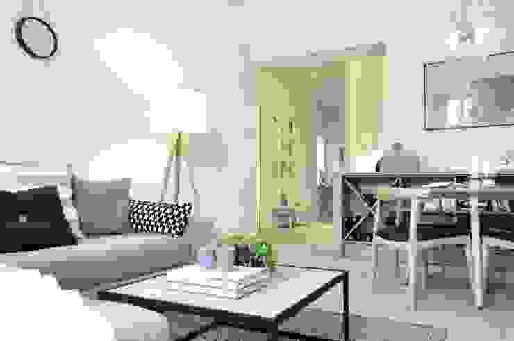 Wnętrze mieszkania w kamienicy, Bielsko-Biała.: styl , w kategorii Salon zaprojektowany przez TIKA DESIGN,Skandynawski