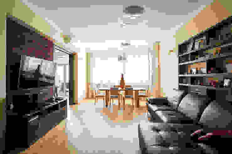 Гостиная-столовая Гостиная в стиле минимализм от ORT-interiors Минимализм