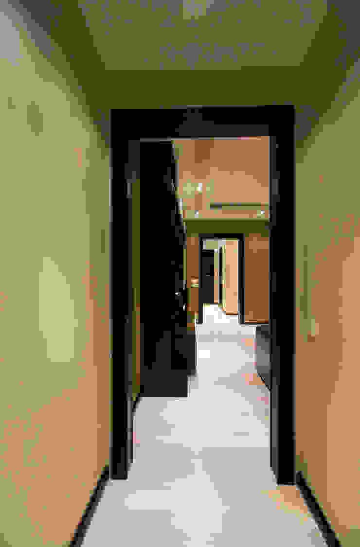 Коридор Коридор, прихожая и лестница в стиле минимализм от ORT-interiors Минимализм