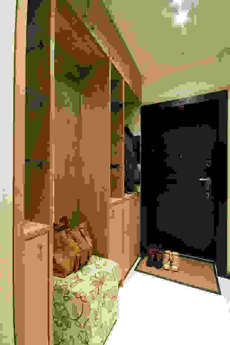 Прихожая Коридор, прихожая и лестница в стиле минимализм от ORT-interiors Минимализм