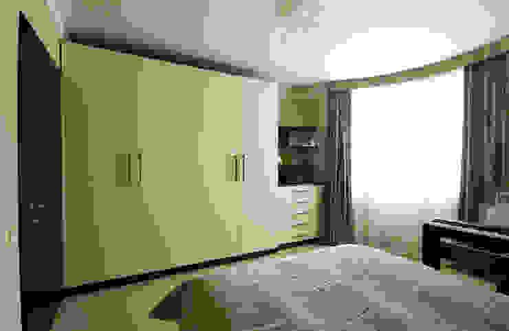 Шкафы в спальне Спальня в стиле минимализм от ORT-interiors Минимализм