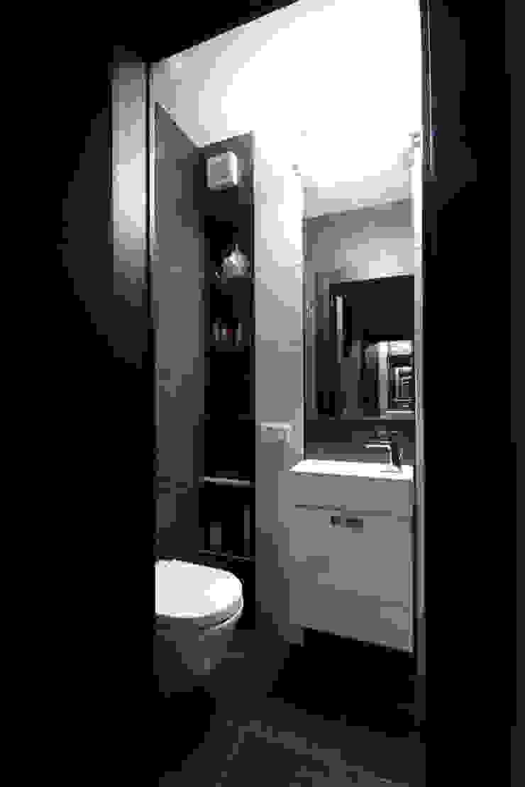 Гостевой туалет Ванная комната в стиле минимализм от ORT-interiors Минимализм