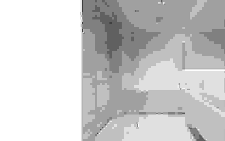 Wnętrze apartamentu, Kęty Nowoczesna łazienka od TIKA DESIGN Nowoczesny