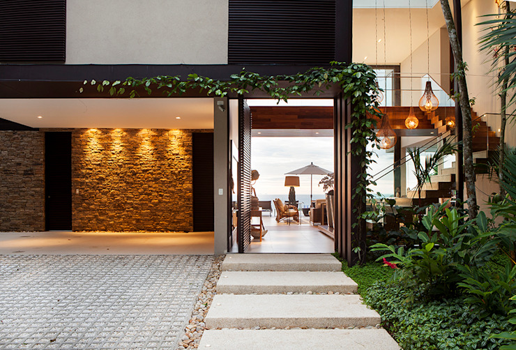 Rumah by Infinity Spaces