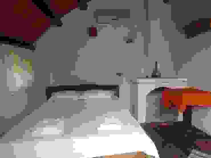 Simurg Evleri Pansiyon Dormitorios de estilo moderno