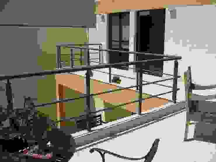 Varanda Projetual Arquitetura Varandas, alpendres e terraços rústicos