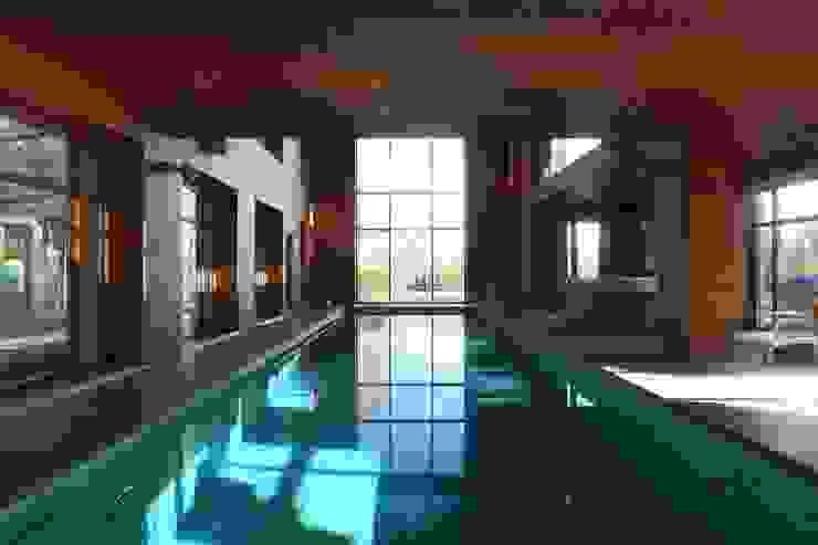 Бассейн Бассейн в стиле минимализм от ORT-interiors Минимализм