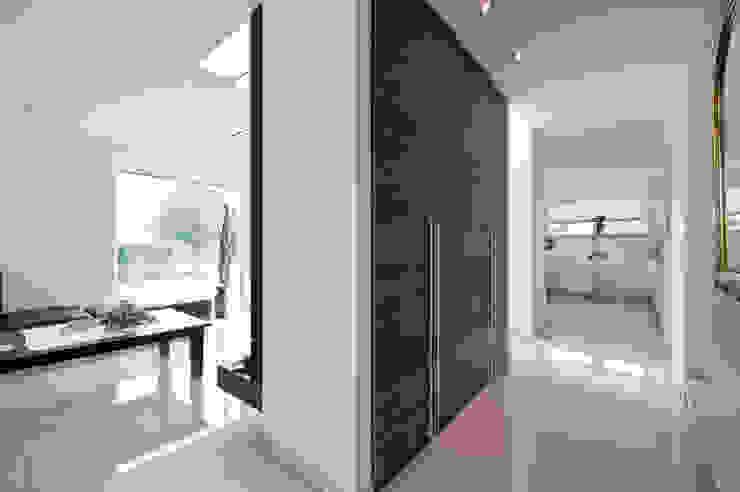 Einbauschrank: modern  von Architektur Jansen,Modern