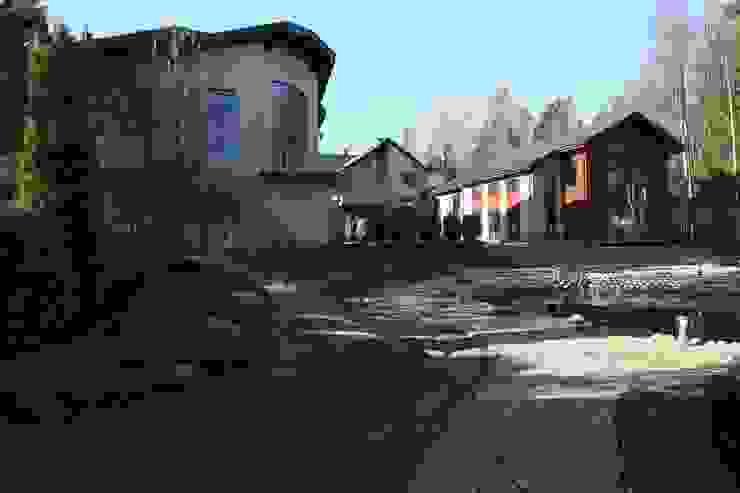 Гостевой дом и здание бассейн Дома в стиле минимализм от ORT-interiors Минимализм