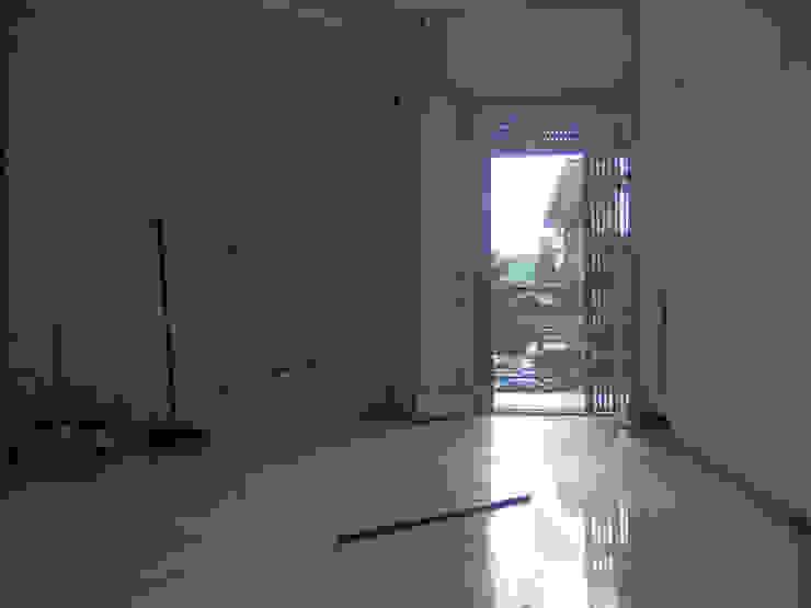 Monolocale di circa 30 mq ristrutturato completamente e arredato in modo funzionale. L'appartamento a cambiato aspetto acquistando valore e mettendo in risalto le sue potenzialità. di Lella Badano Homestager
