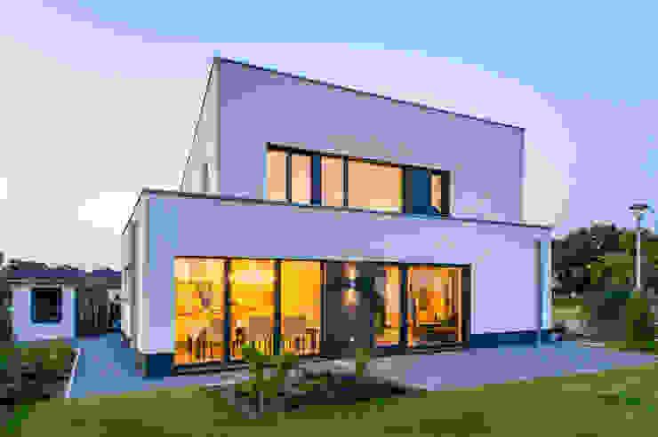 Haus E – Passivhaus des Jahres 2012 (im Auftrag Sommer Passivhaus GmbH) Minimalistische Häuser von Architektur Jansen Minimalistisch