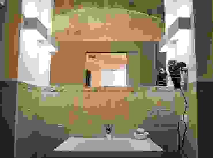 Il claustro_Albergo diffuso Bagno in stile mediterraneo di B+P architetti Mediterraneo