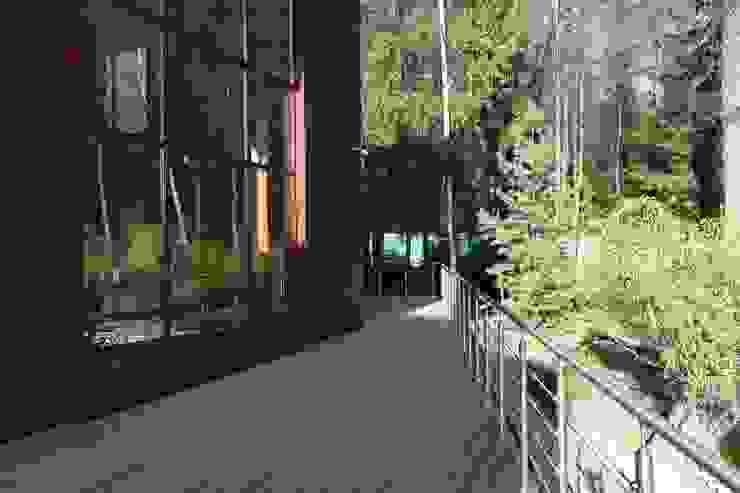 Фасад бассейна Дома в стиле минимализм от ORT-interiors Минимализм