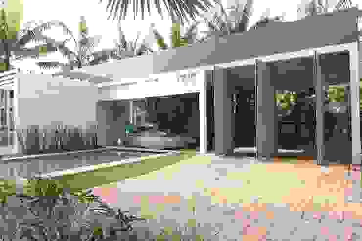 ENTRADA PRINCIPAL Casas modernas por DUPLA ARQUITETURA ESTRATÉGICA Moderno