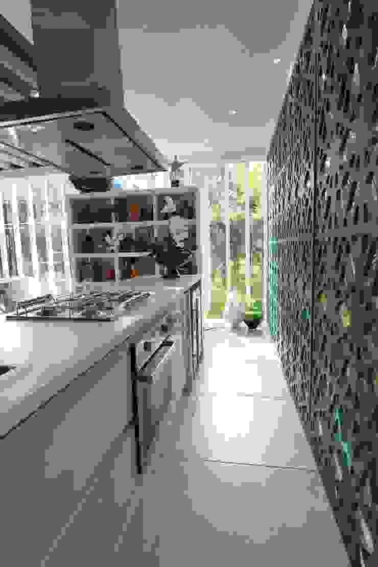 Cozinha americana integrada Cozinhas modernas por DUPLA ARQUITETURA ESTRATÉGICA Moderno