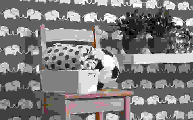 Tapete Elephant, for him (graubraun): modern  von Designstudio DecorPlay,Modern