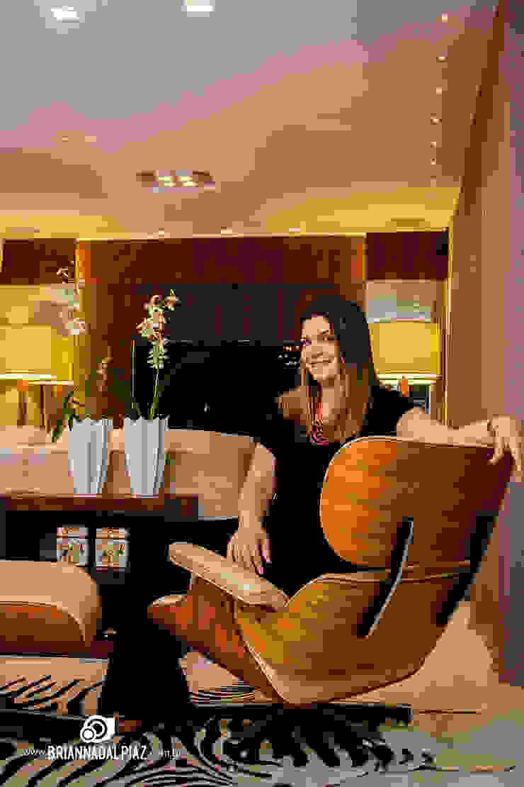 Living - G A por Carolina Fagundes - Arquitetura e Interiores Clássico