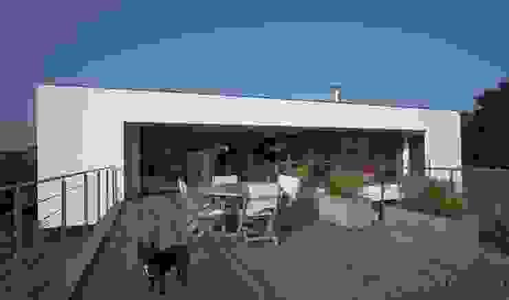 Construction d'une villa contemporaine à Bénodet Maisons modernes par LE LAY Jean-Charles Moderne