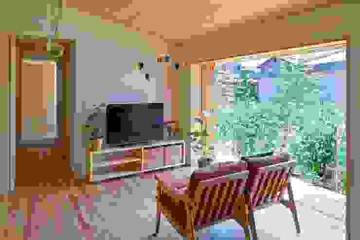 リビング: ムラカミマサヒコ一級建築士事務所が手掛けたリビングです。,北欧