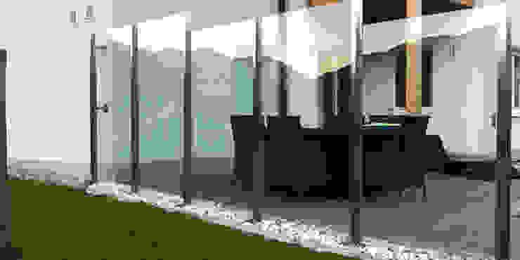 Edelstahl-Windschutz mit VSG-Sicherheitsglas Stalmach Group Moderner Balkon, Veranda & Terrasse