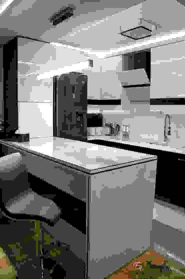 Moderne Küchen von EnDecoration Modern