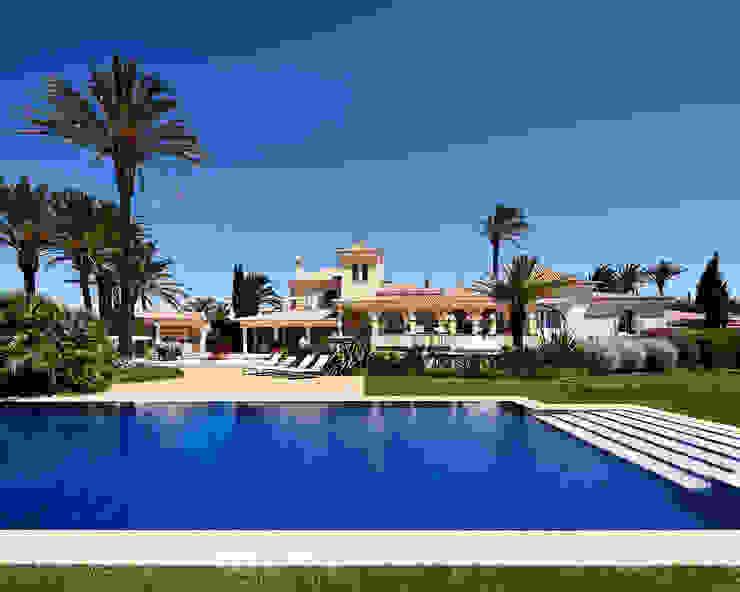 Casa das Tamaras, Praia da Luz, Portugal Mediterrane Häuser von Philip Kistner Fotografie Mediterran