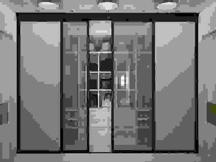 Квартира на Фрунзенской LEO Company Гардеробная в классическом стиле