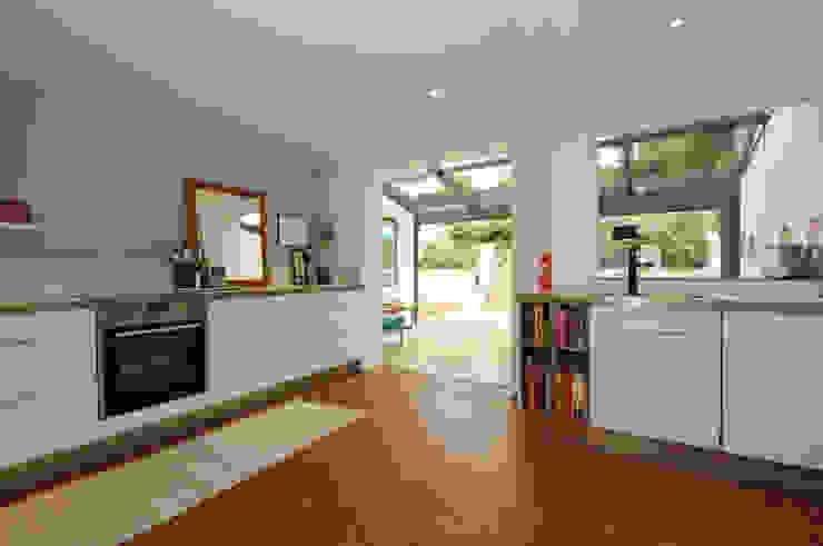 Ground Floor kitchen and dining room extension por Imperfect Interiors Escandinavo