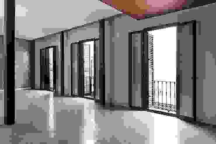 Salas de estar modernas por Ardes Arquitectos Moderno