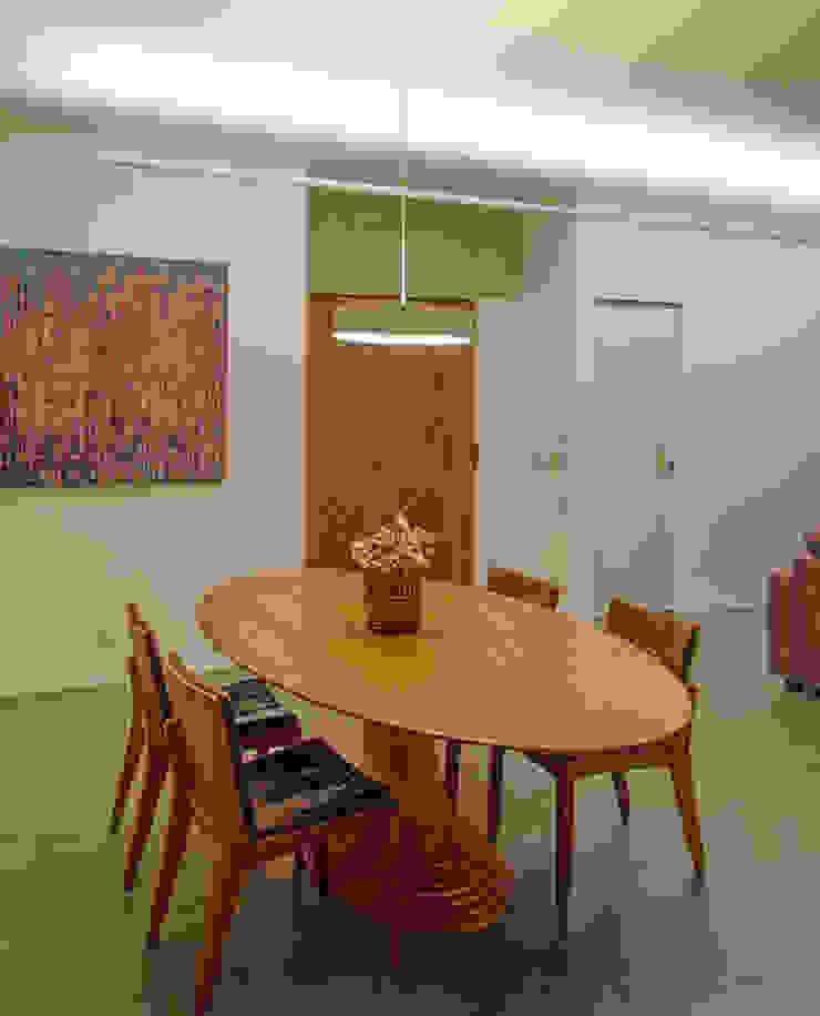 Apartamento em Perdizes Salas de jantar modernas por Vereda Arquitetos Moderno