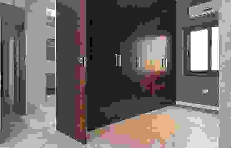 Vestidor habitación principal de Ardes Arquitectos Moderno