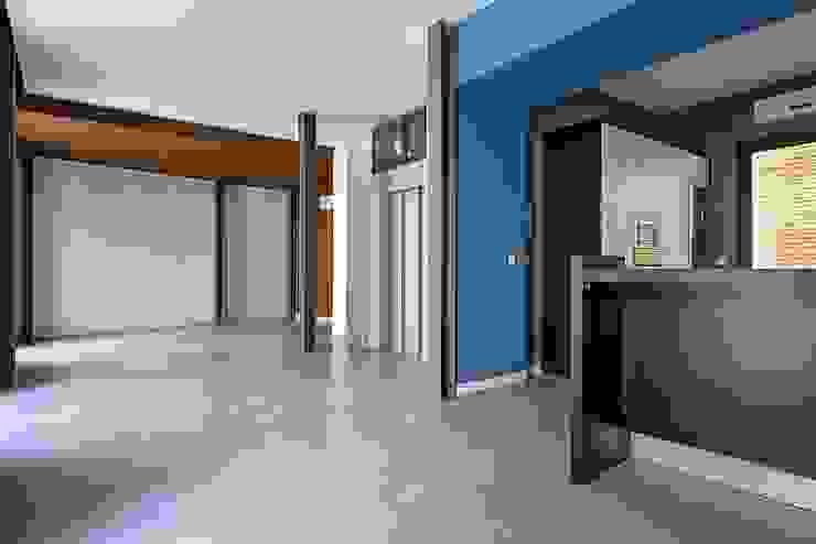 Estancia principal Salones modernos de Ardes Arquitectos Moderno