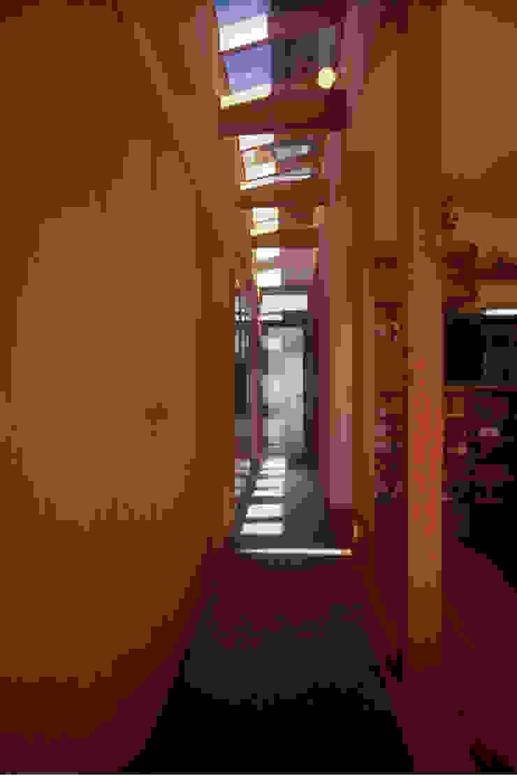 北外山の家 北欧スタイルの 玄関&廊下&階段 の 風建築工房 北欧